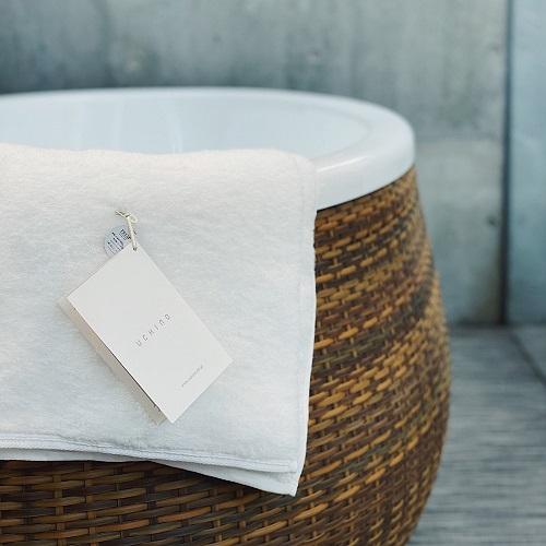 繊細でたっぷりとしたタオルで、触れられるしあわせを。
