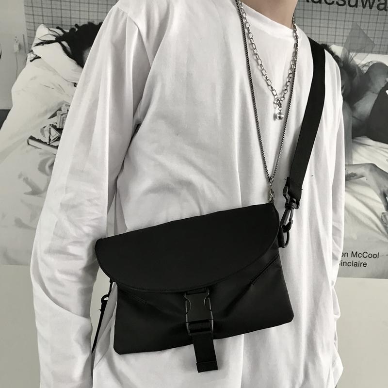 女の子のストリート系ファッションに取り入れたい!おすすめバッグ&アクセサリー特集