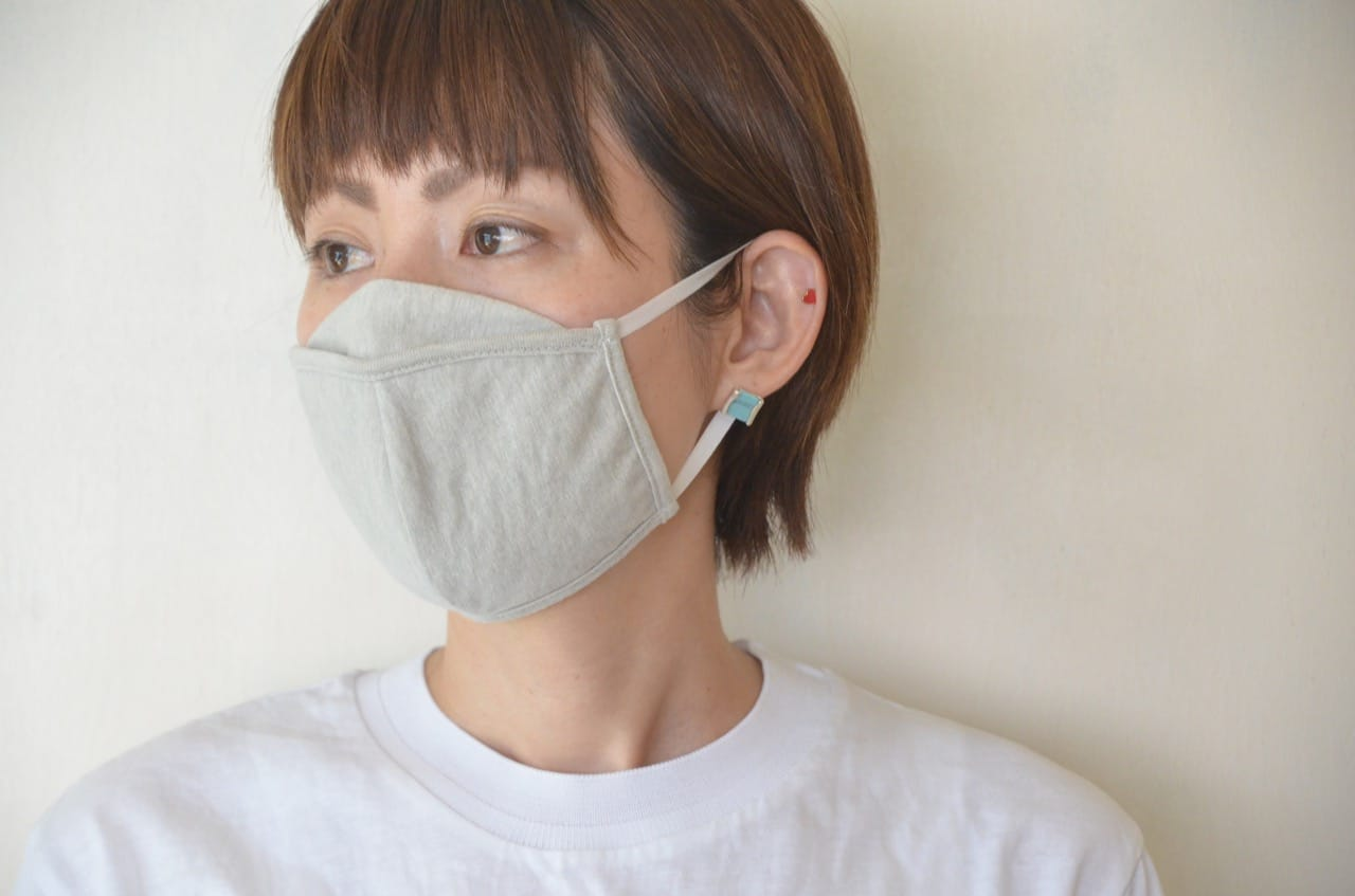 ジメジメ暑いこれからの季節に! 肌にやさしく、機能性抜群な「炭のマスク」
