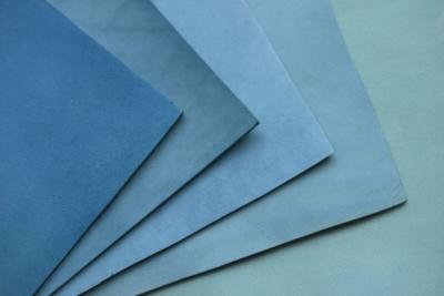 【enku】淡く儚い藍の葉の色(生葉染革[migaki] キーケース )