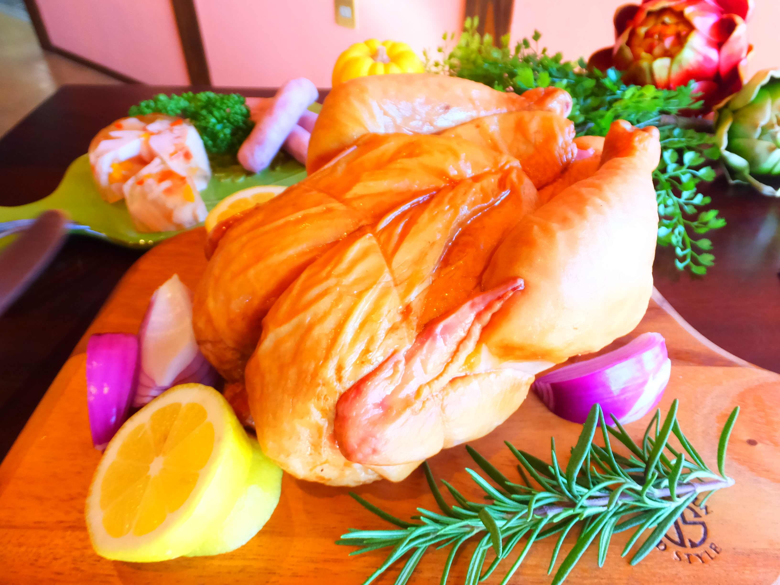 予約限定!クリスマスの【ひな鶏のスモークチキン】