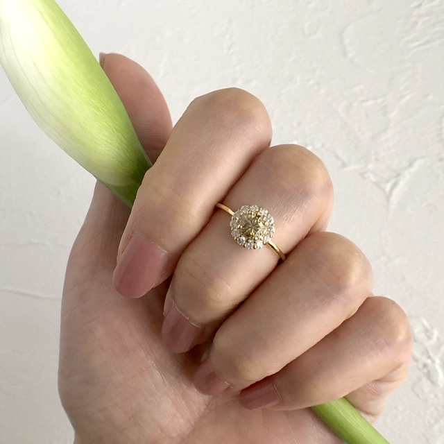 《chika》期間限定販売 美しいイエローダイアモンドのリング
