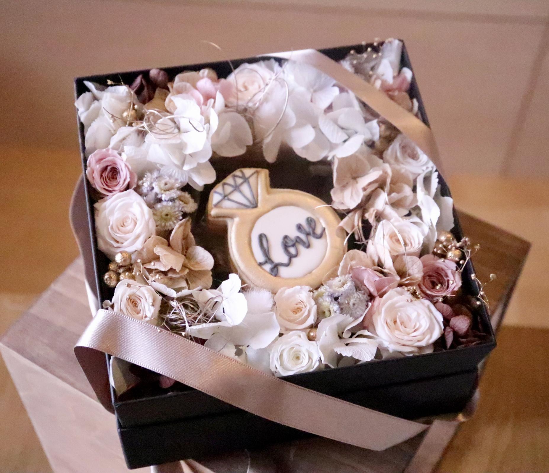 3種類♦アイシングクッキーとお花 結婚のお祝いや出産祝いの贈り物