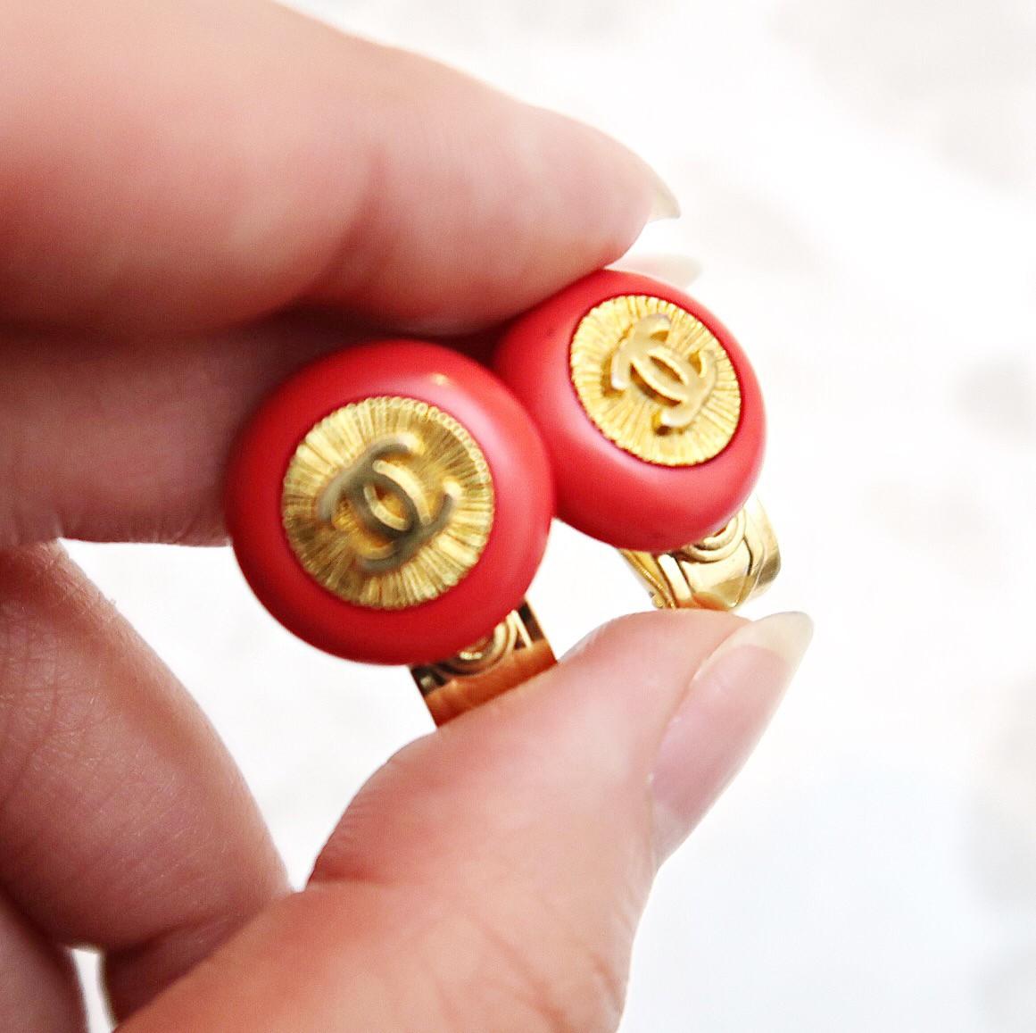 ボタンでオリジナルイヤリングをハンドメイドしませんか??