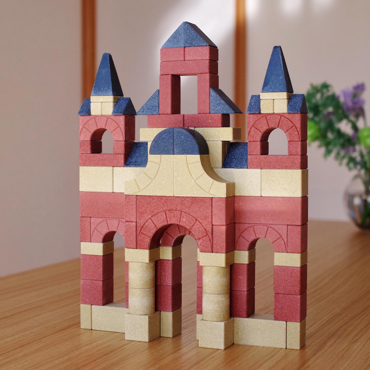 アインシュタインも幼少期に遊んだ!本物の建物のような質感が楽しめる「アンカー積木」