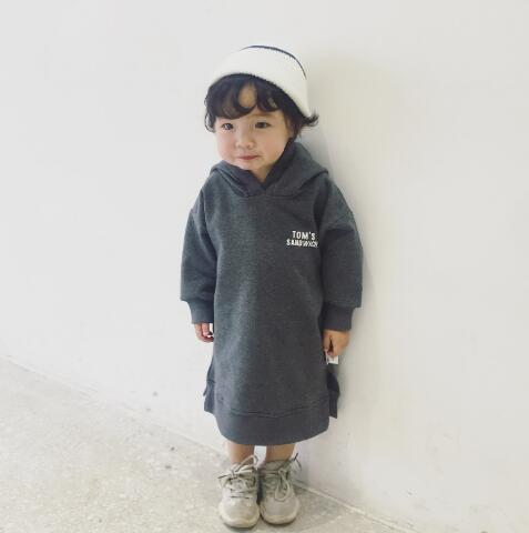 【子供服】フード付きロングトレーナーワンピース