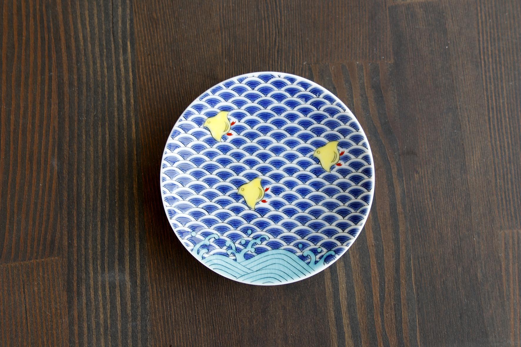 古典柄「千鳥」に込められた願い。「九谷縁起豆皿」