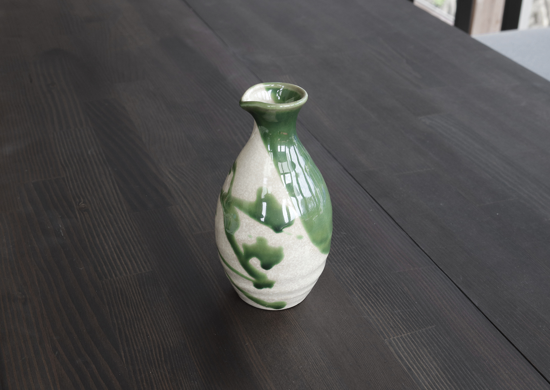 織部の緑は美しい。 現代的な乱織部