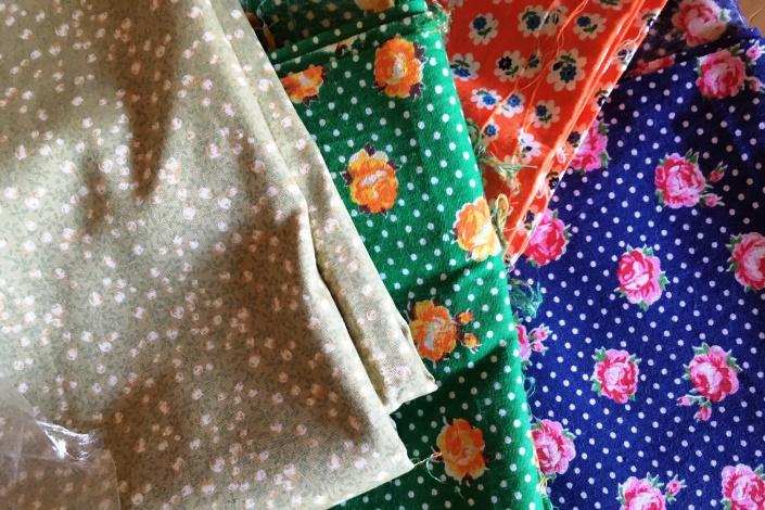 ポルカドットと薔薇 レトロな布地でお部屋の模様がえ