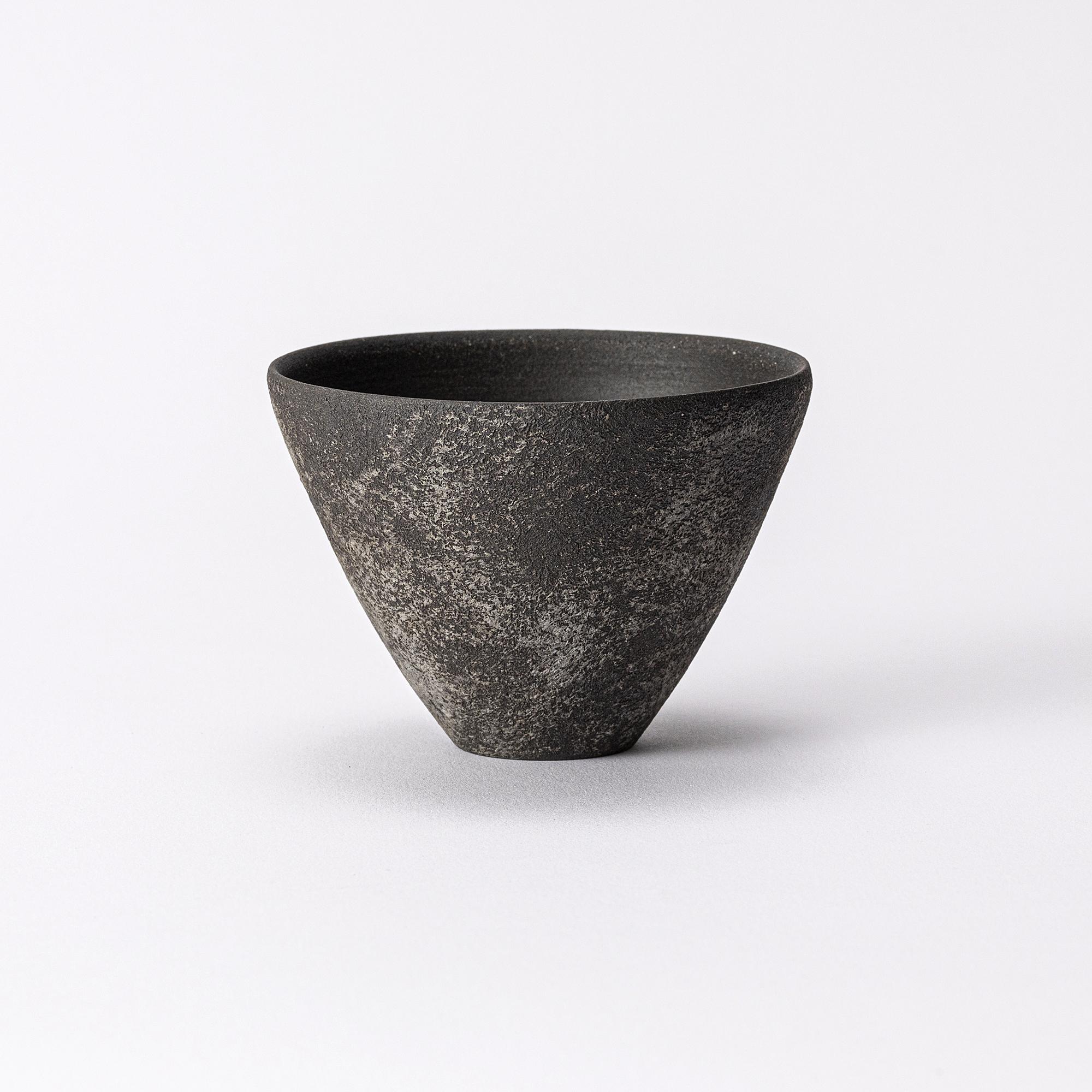 幻の古陶、石川県の伝統工芸品珠洲(すず)焼の器