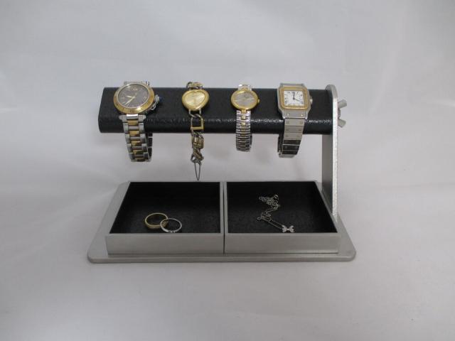 腕時計を飾る角度を蝶ナットで変えることができるんだって!!