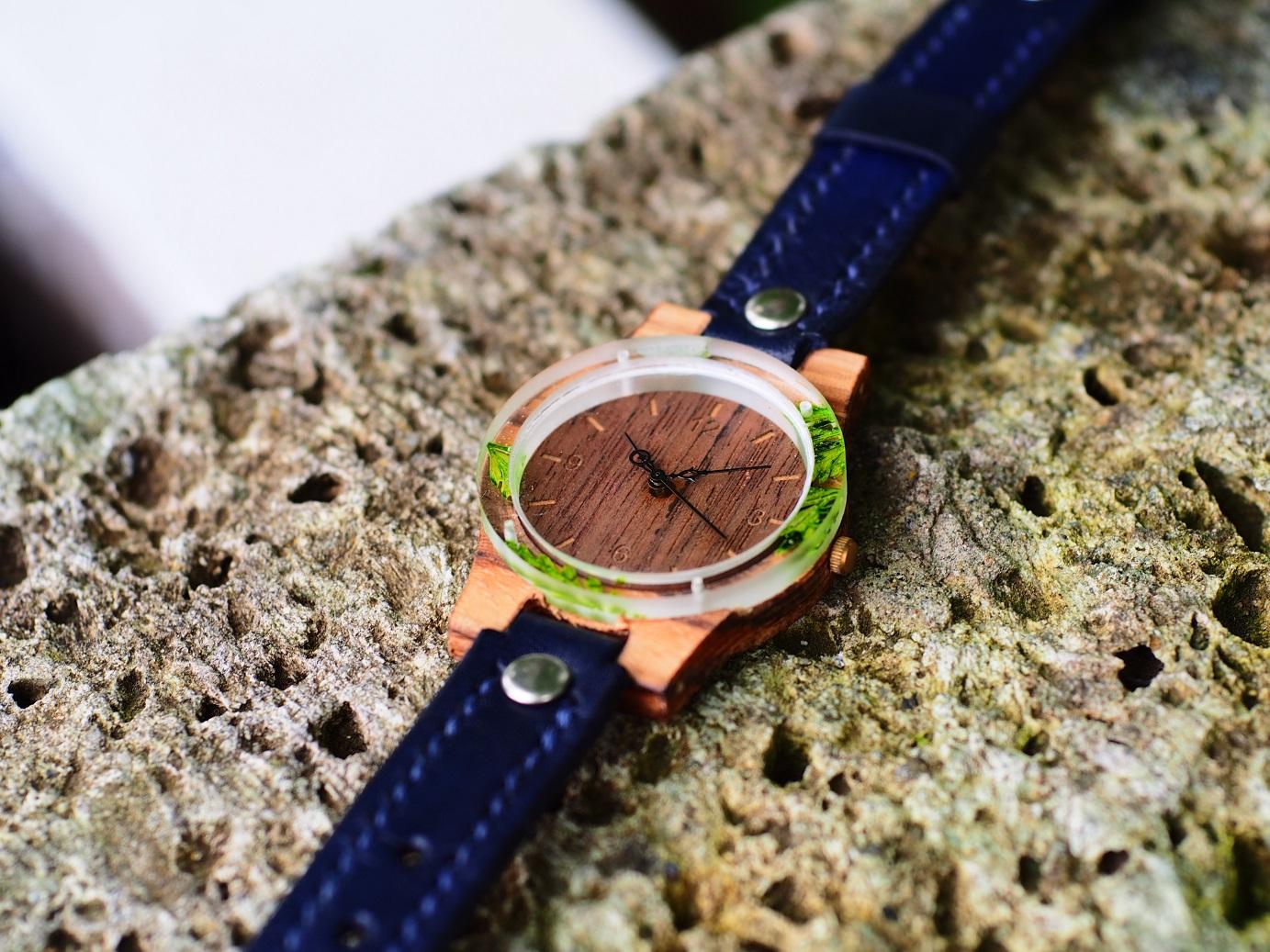 かすみ草の押し花木製腕時計