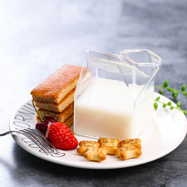 お洒落なクリアマルチグラスカップをテーブルコーディネートアイテムに加えてお家時間をHappyに✨