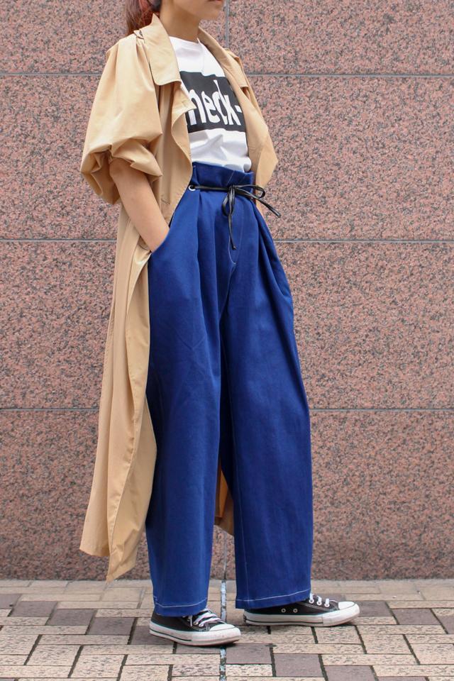 かっちりトレンチはもう古い?とにかく着やすいテロテロ素材のギャザースリーブトレンチコート!
