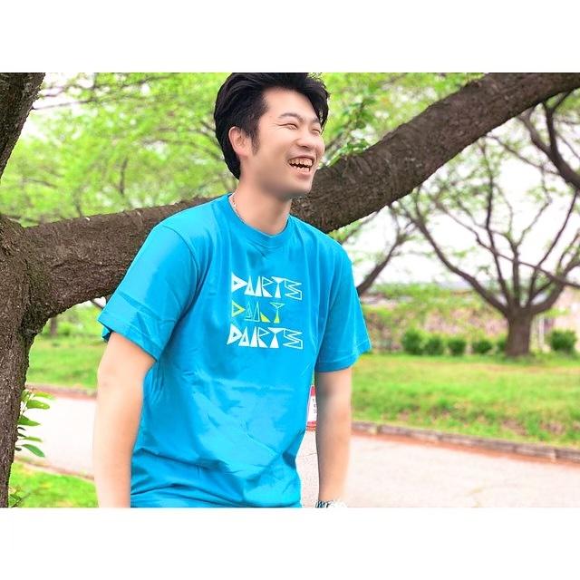 """【30代】""""無難な無地""""から卒業しよう!おしゃれなデザインTシャツの選び方を3つ提案します"""