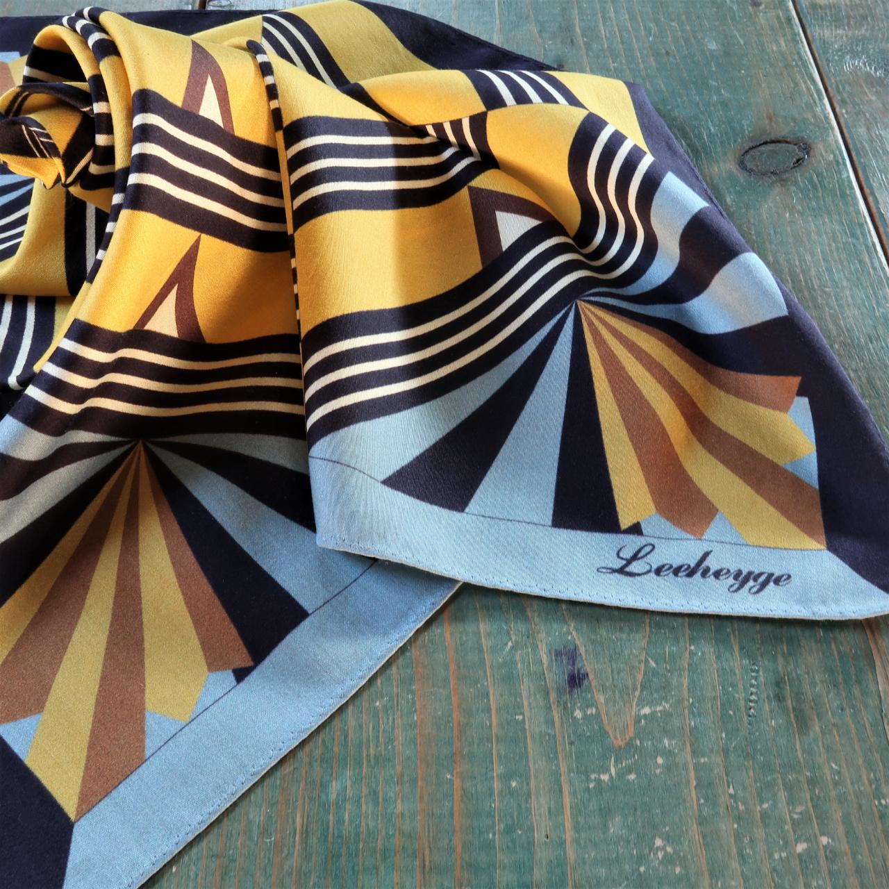 【LEEHEYGE】リーヘイジ ヴィンテージ、アールデコスタイルのスカーフです。