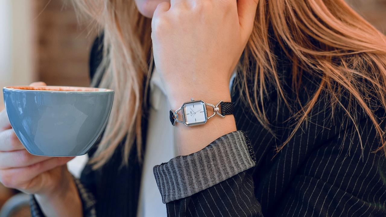 【ヴィンテージデザイン】ジュエリーの様に使える腕時計