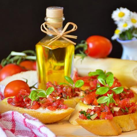 ご家庭で簡単に作れるイタリアの郷土料理「ブルスケッタ・アル・ポモドーロ」
