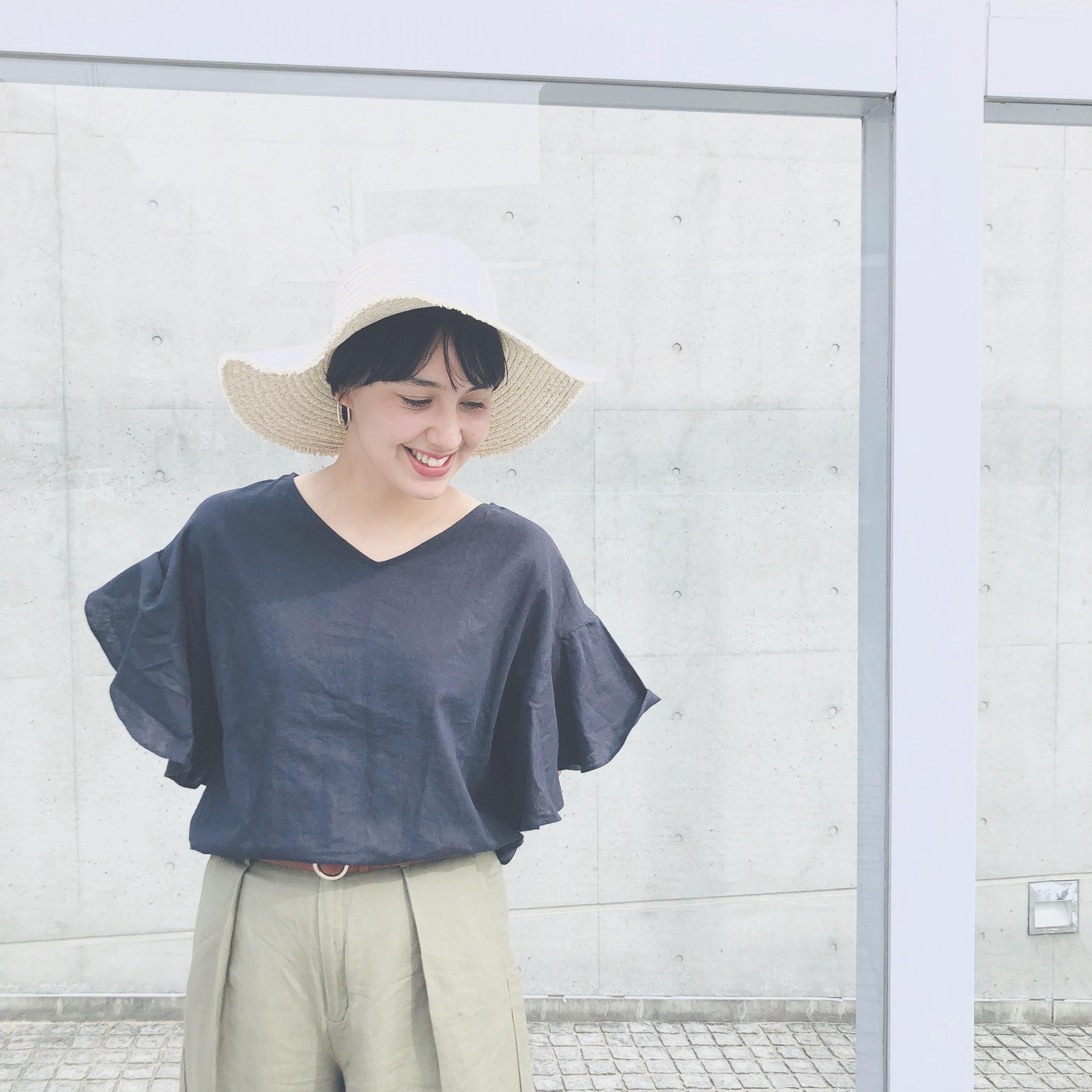【 Today`s Stole 】つば広ハット、暑い日差しを防げてオシャレに着こなせる♪