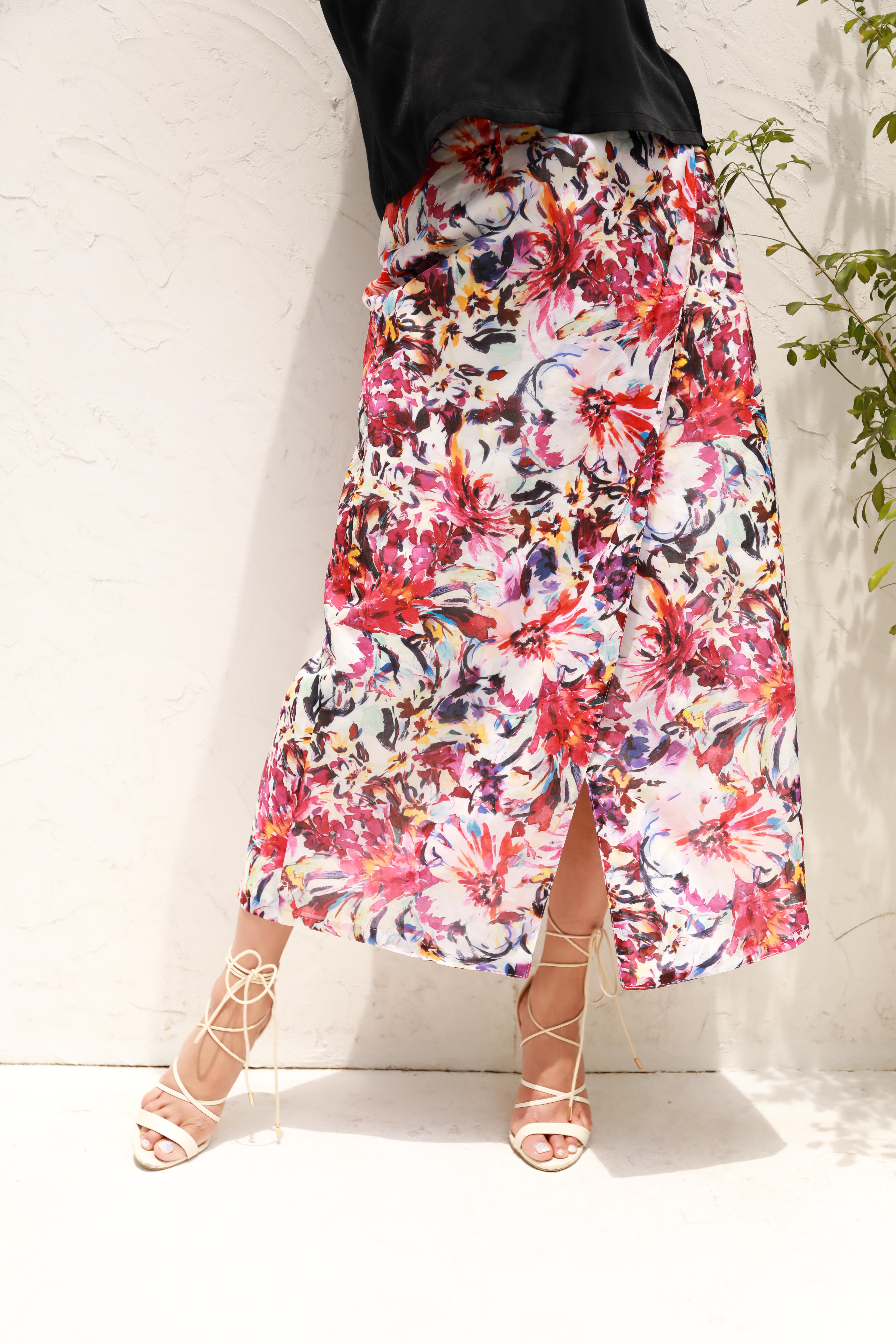 【巻きスカート】夏に映える華やかな大ぶりの花柄スカート