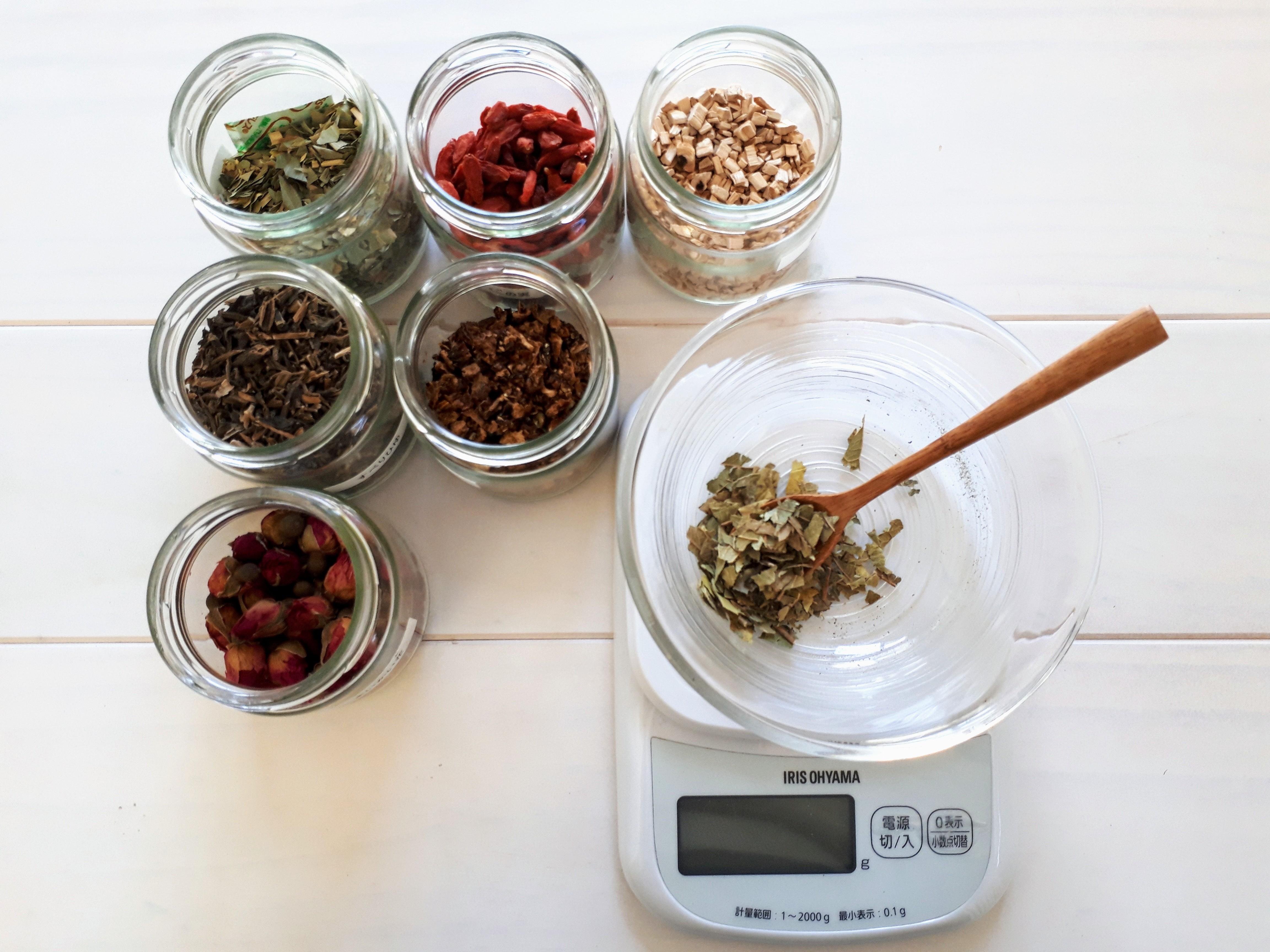 体質や体調から、あなただけのオーダーメイド漢方茶をお作りします