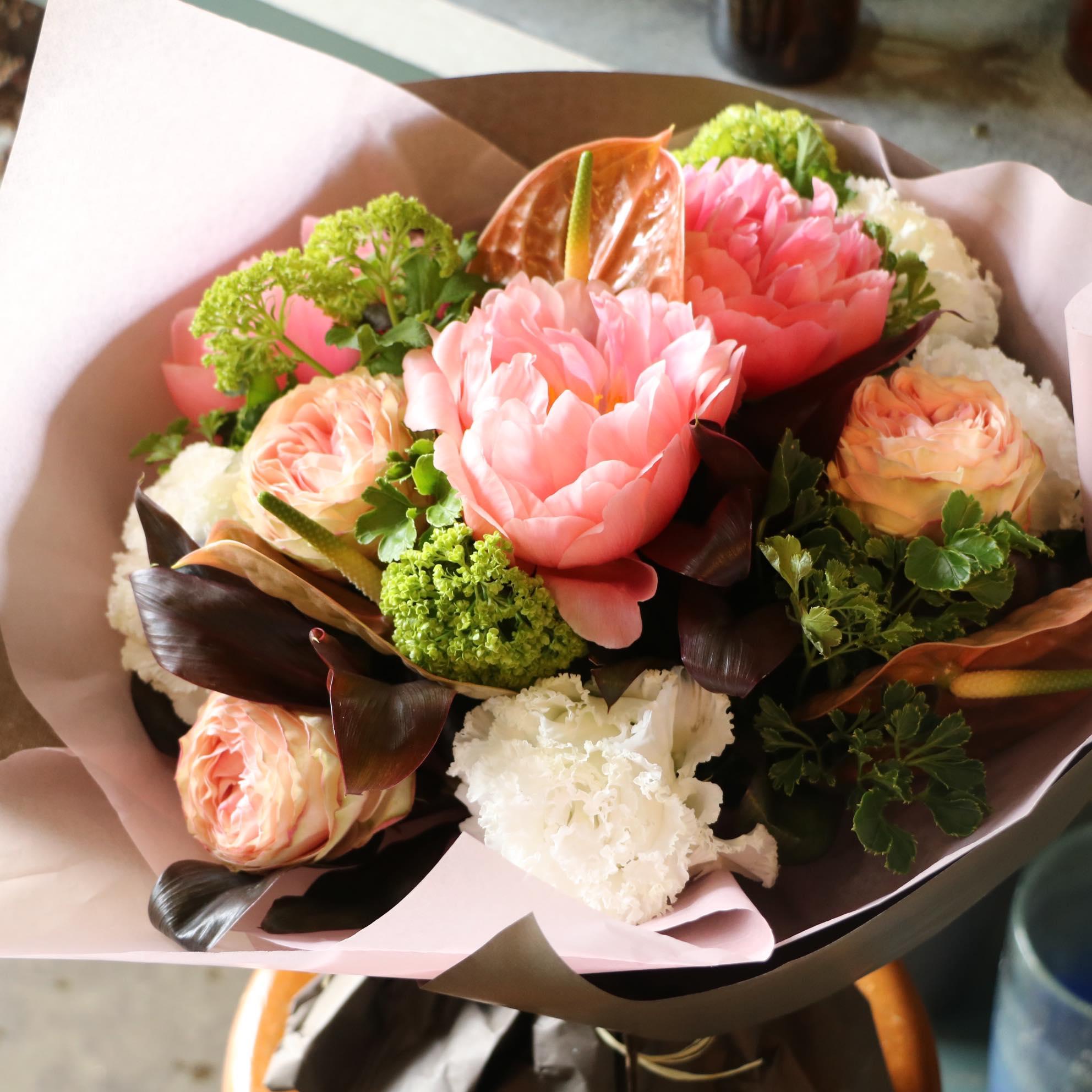花屋が教える。シャクヤクをきれいに咲かせるコツ!