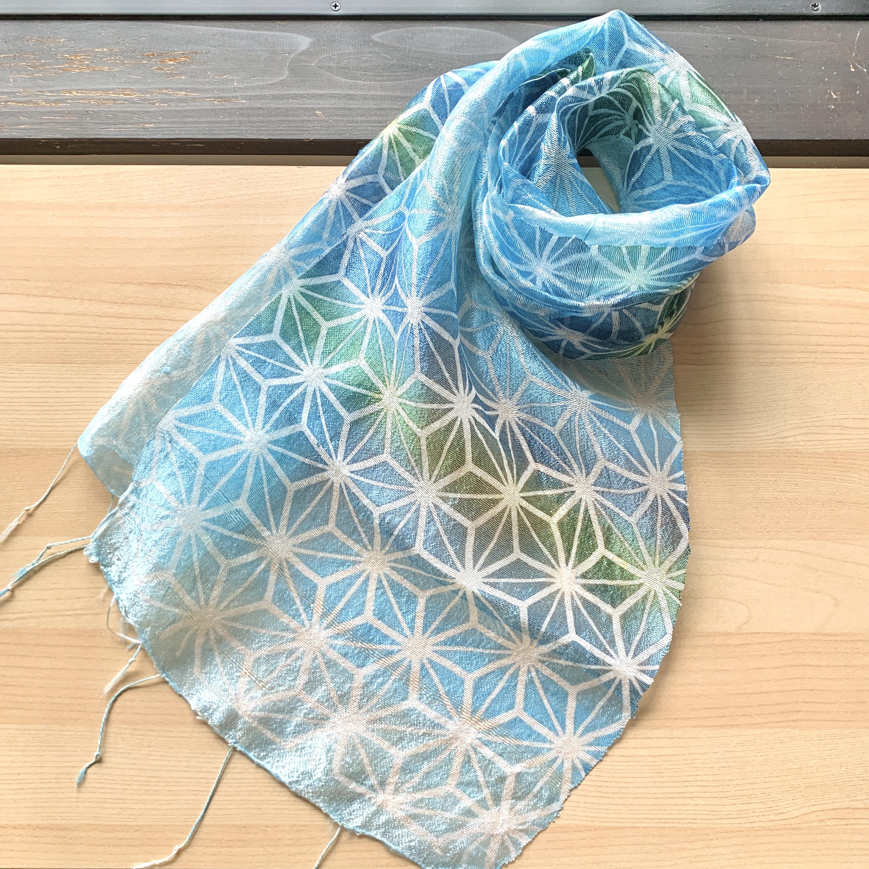 【ひなみのオリジナルデザイン】涼やかな麻の葉文様の型染めスカーフ