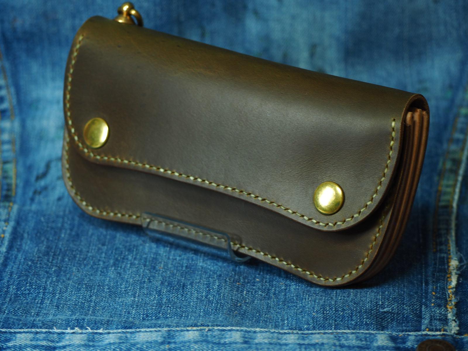 ホーウェン社クロムエクセル。100年前のレシピを守り作られた皮革のトラッカーウォレットtype2