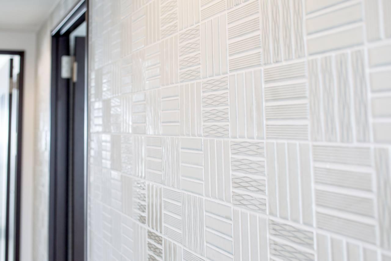 タイルメーカーが提案する「白いタイル」を使ったライフスタイル