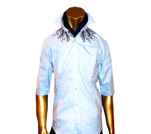 ネック周り刺繍5分袖シャツです。オックス生地を採用し、衿周りには刺繍を施してあります!