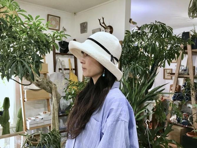 真夏の太陽がお似合い♪ ホワイトが爽やかに映える、かぎ編みの帽子