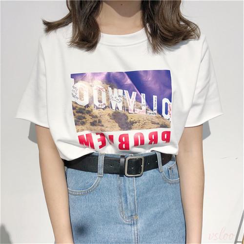 合わせやすい、レトロプリント中袖ラウンドネックTシャツ