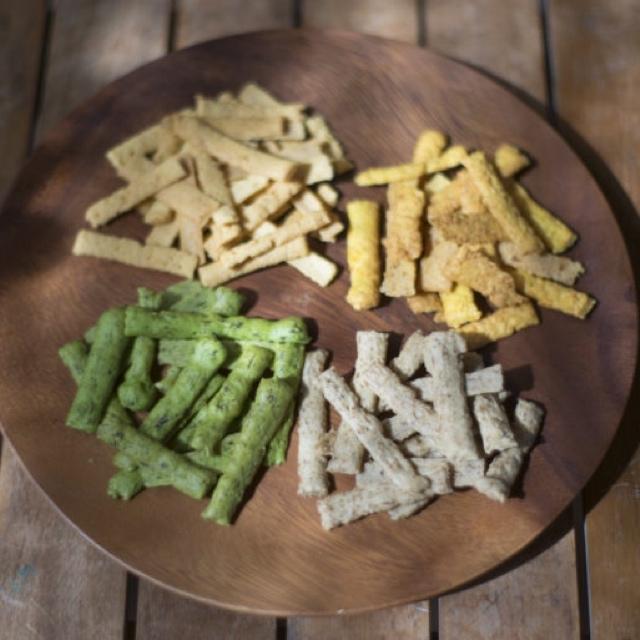 小さなお子様からお年寄りまで!安心して食べれるお野菜のお菓子!やさいカリカリ!!