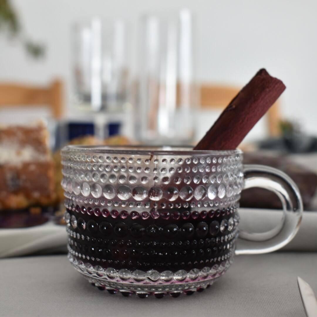 グリューワインをヴィンテージ食器で心も身体も温まる食卓