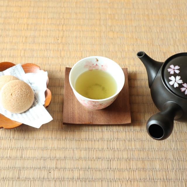 味わいの変化を愉しむ!煎茶二煎。 一煎目は、65度。二煎目は80度で淹れる。