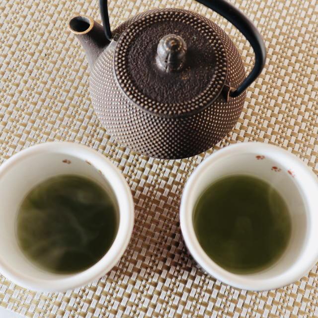 抹茶入り玄米茶を熱湯で淹れて、 芳醇な香りと奥深い味わい、精神的な安らぎを愉しむ!