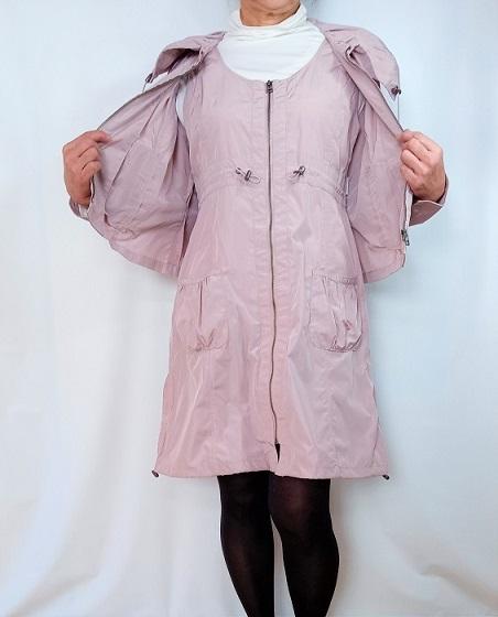 桜をまっといるような、淡いピンクのジャンパースカート・ツーピース