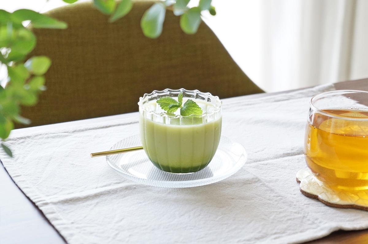【レシピ】ゼラチンを加えて冷蔵庫へ入れるだけ!「とびっきりおいしい抹茶ミルク」で簡単デザート♪