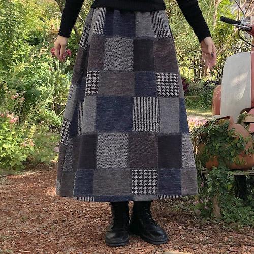 ナチュラルブランドとのコラボ商品!チェック柄の温かいロングスカート♡