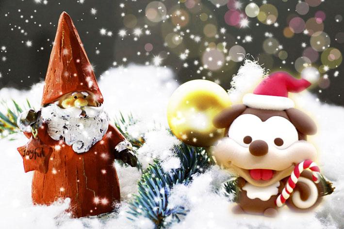 クリスマスがやってくる!可愛いサンタを作ってお客様を出迎えましょう。
