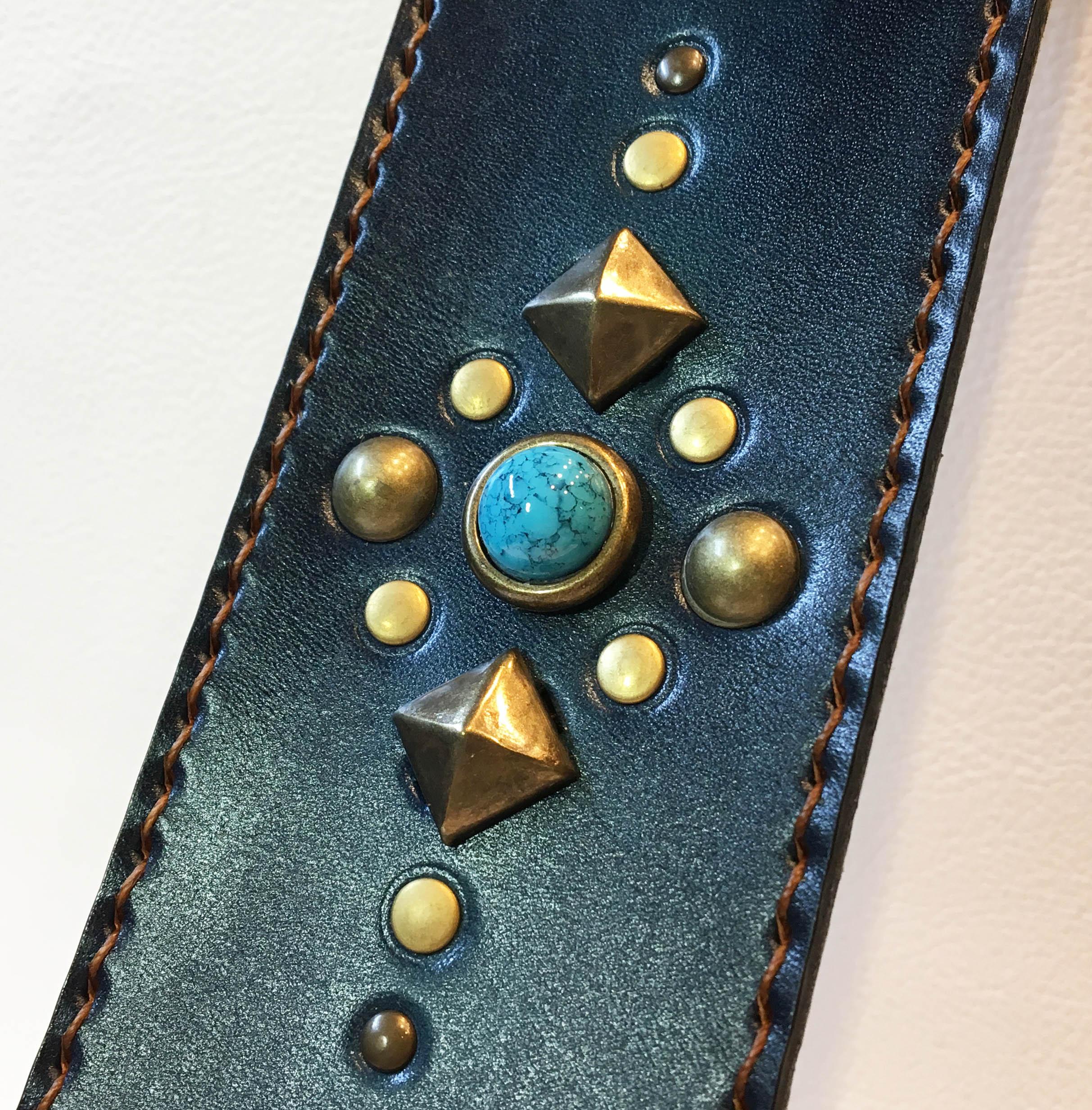 藍染、手縫いのギター・ストラップ