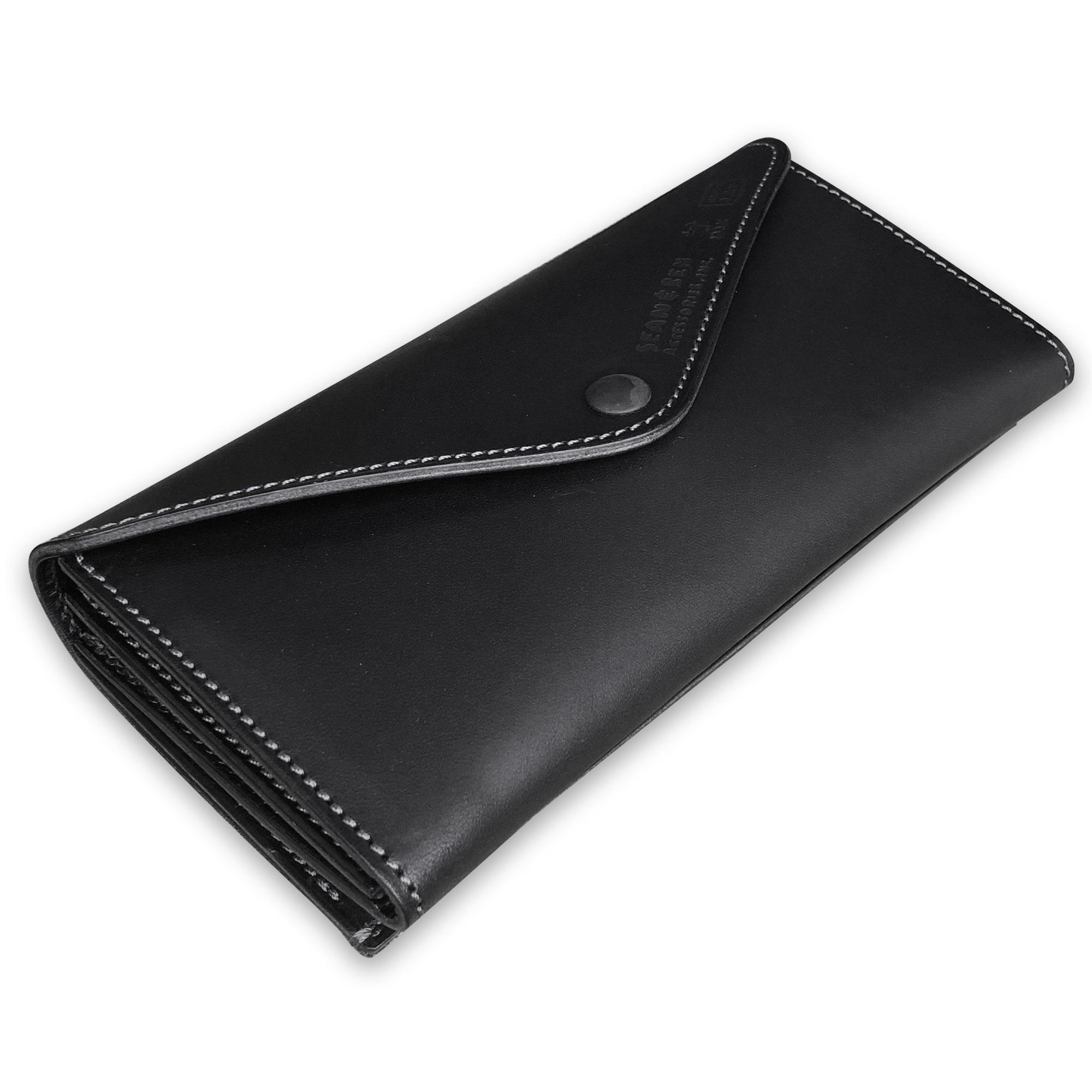 人気のブラック。バッグ要らずの収納スペース。 これ一つで出かけられる 財布です。