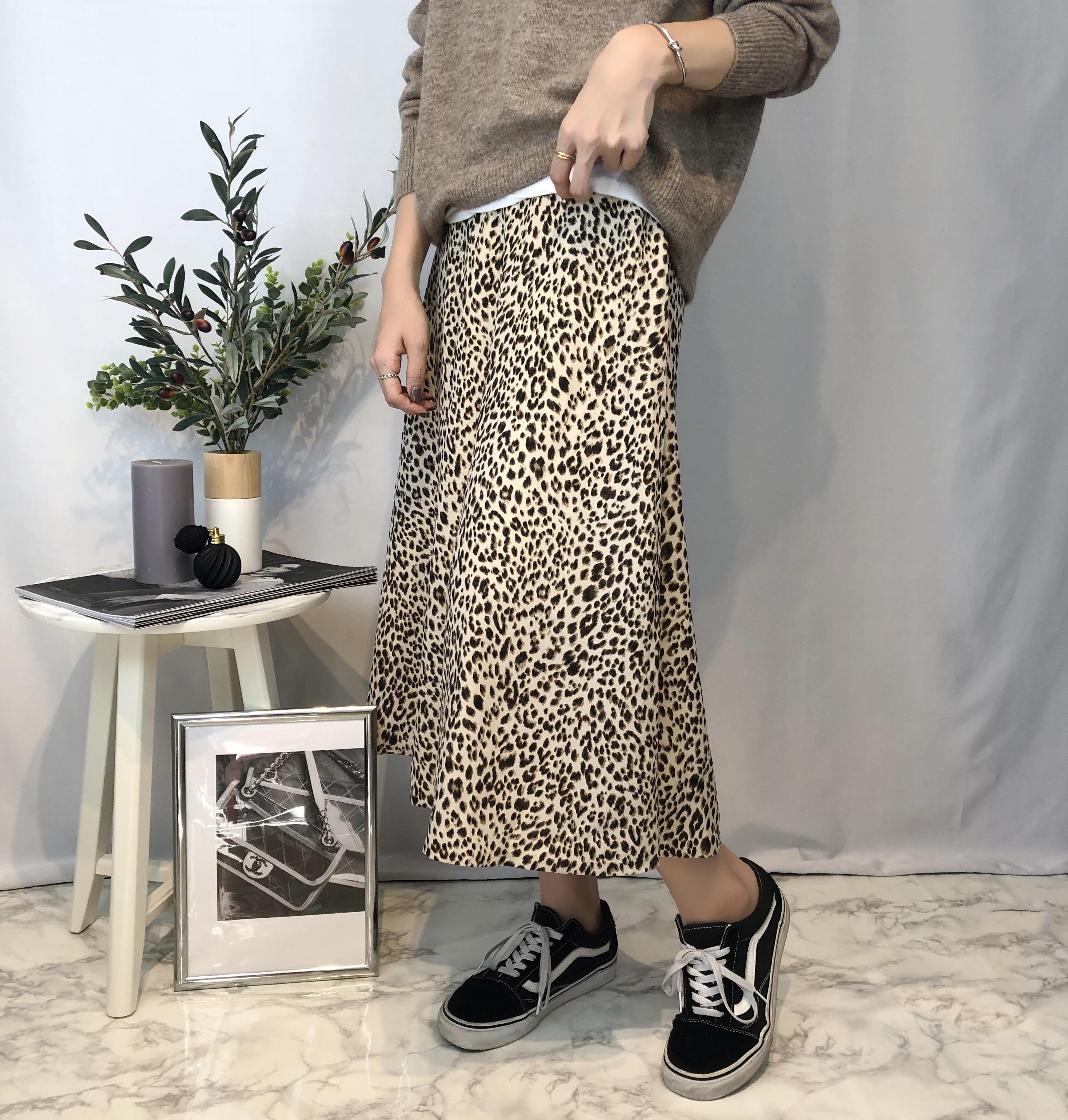 実は着回し力◎の万能アイテム♡レオパードスカート