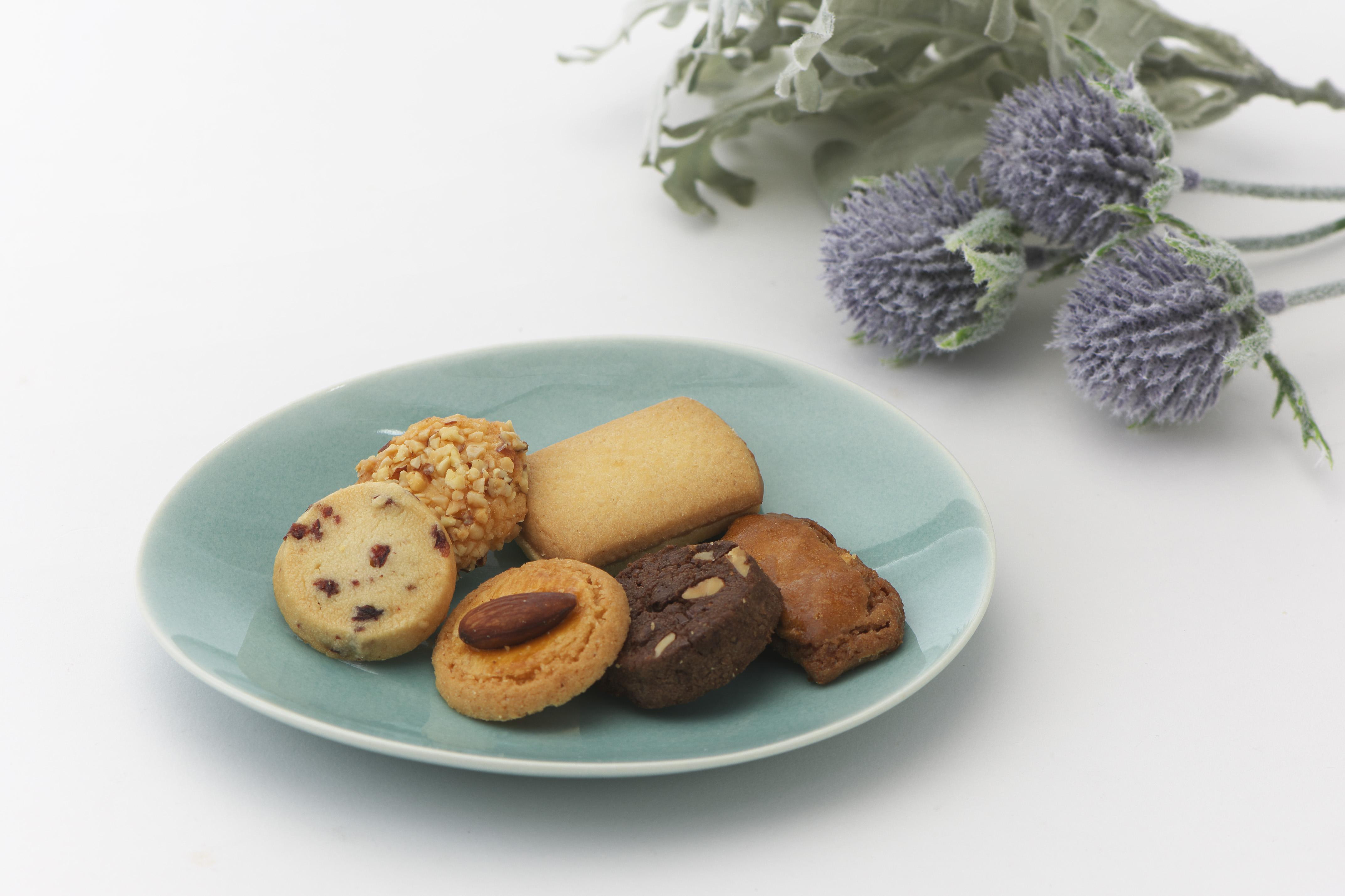 おうちでカフェタイム!フルーリアロイスダールの焼き菓子で素敵なティータイムを。