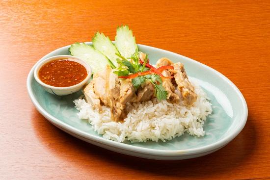 タイ人には自分好みのカオマンガイの屋台がある!?タイの定番料理「カオマンガイ」をご紹介致します。