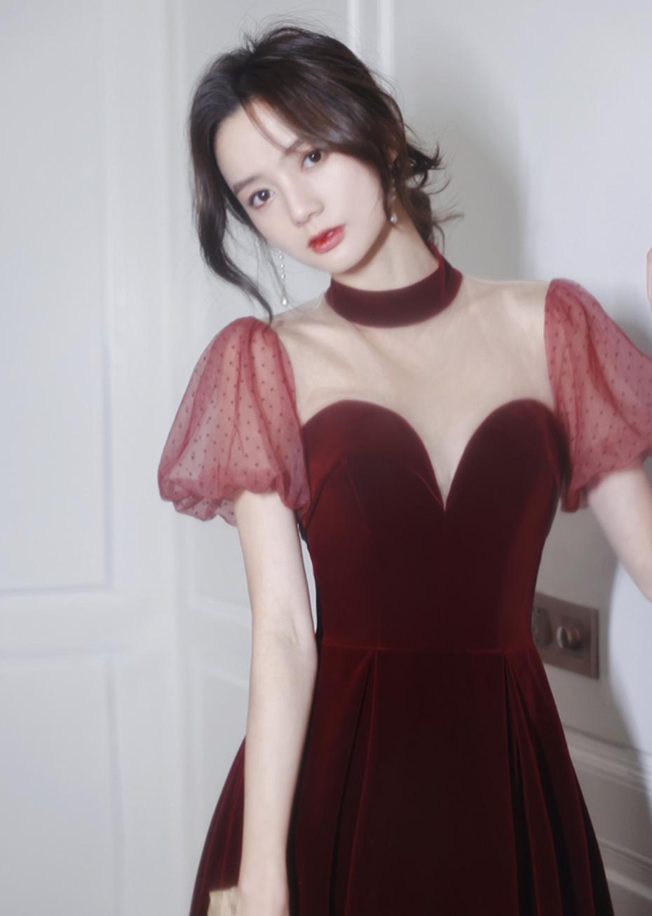 【NEW 】真っ赤に染まった赤いロングドレスはいかが?