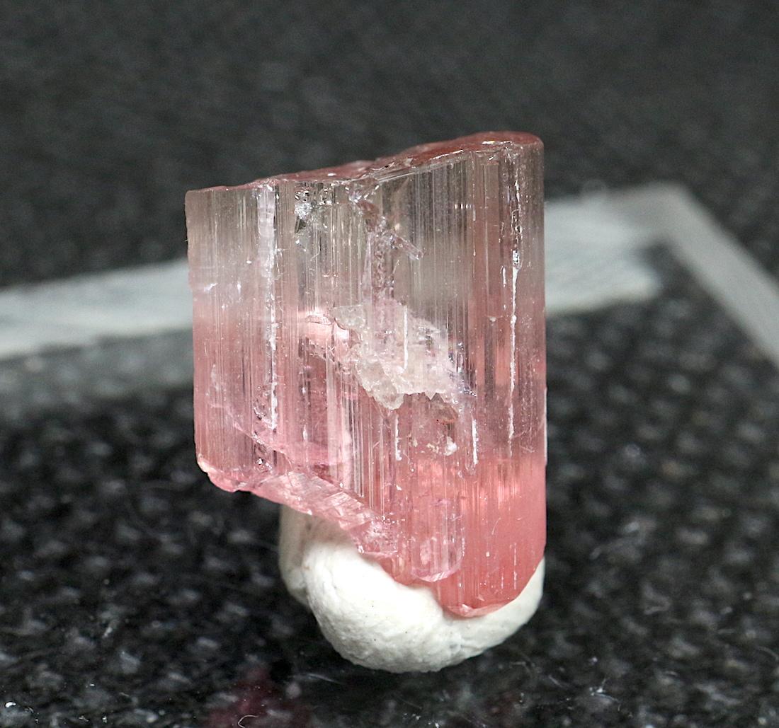 ピンクトルマリン カリフォルニア産 T147 0,8g 鉱物 天然石 原石 パワーストーン