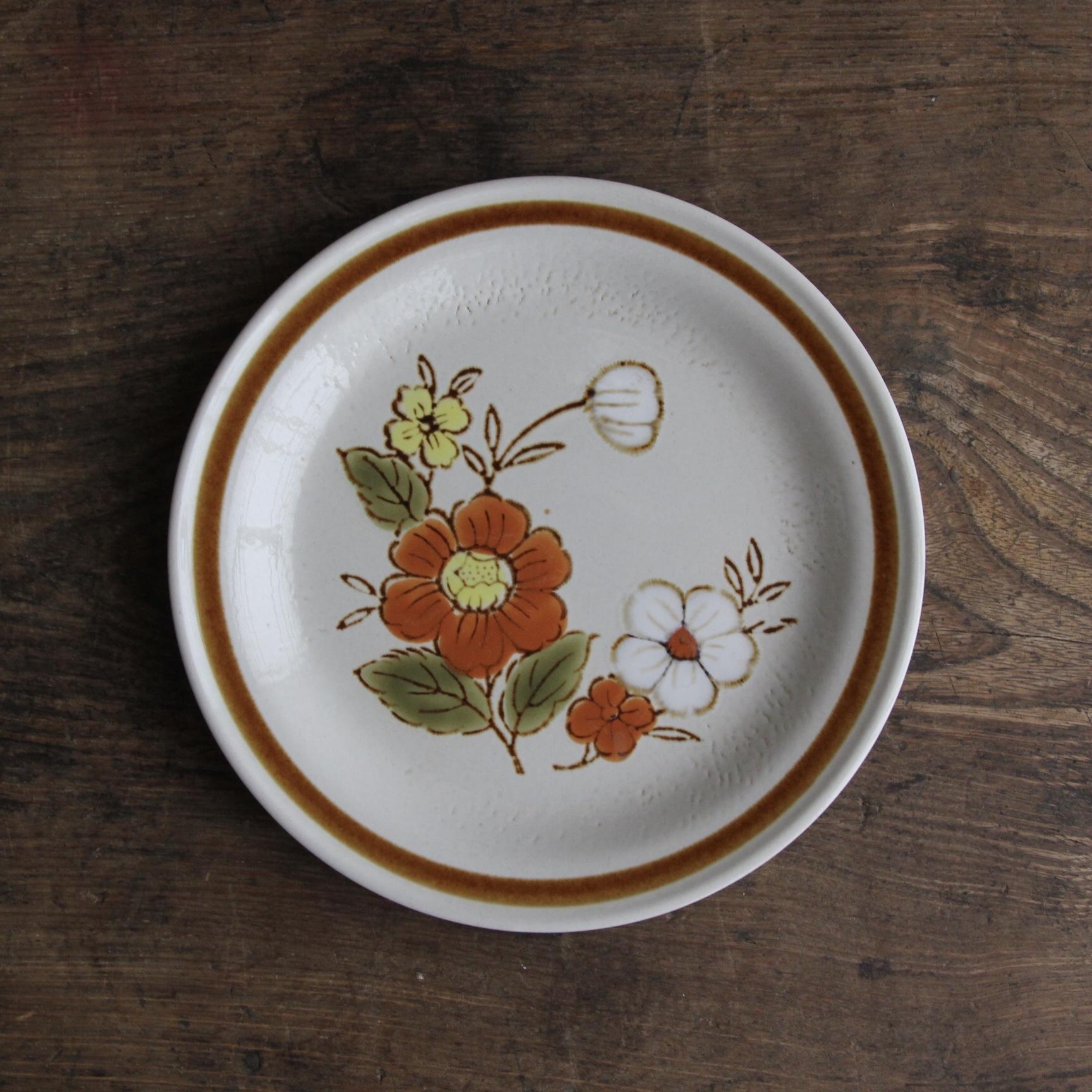 花柄ストーンウェアの小皿