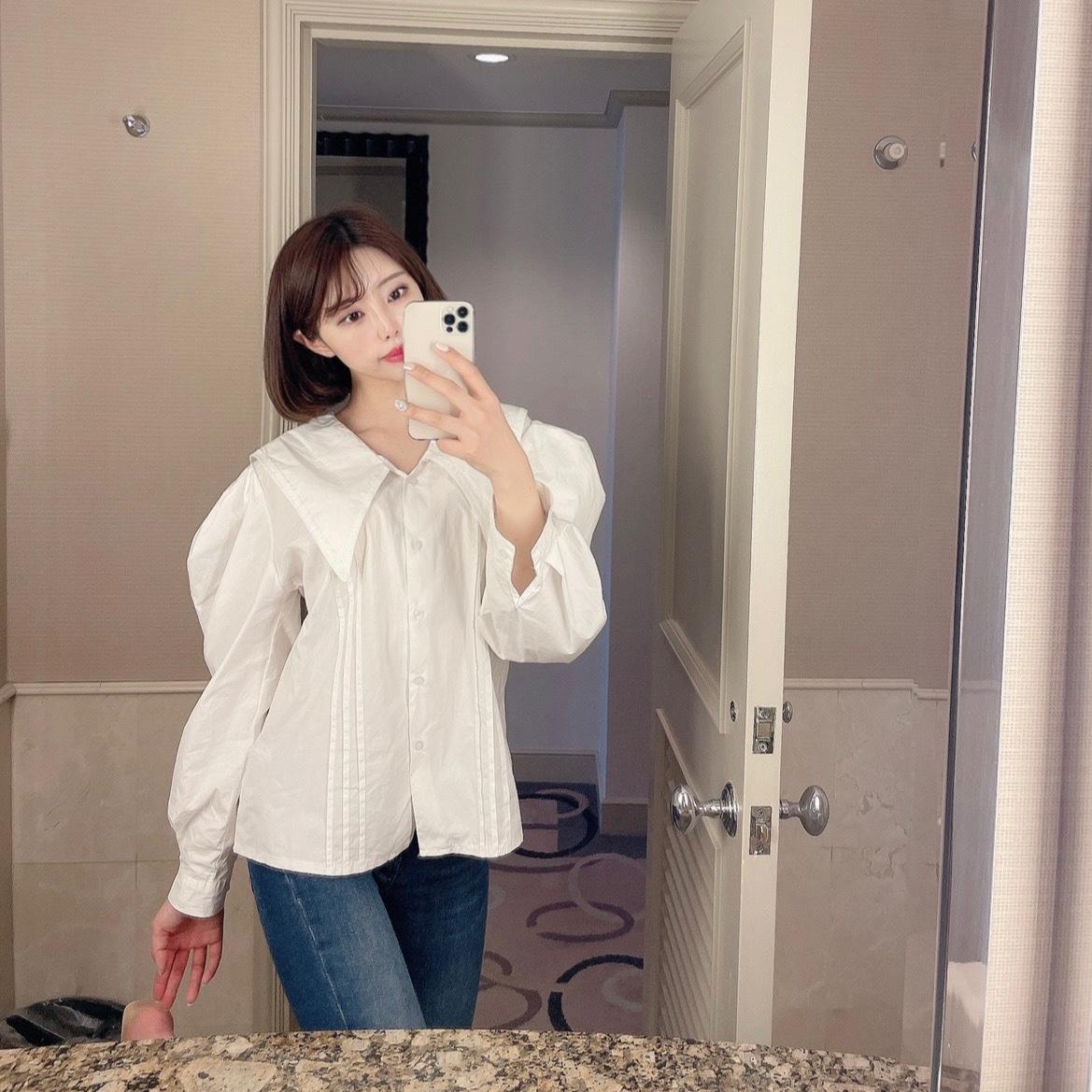 volume Lace blouse