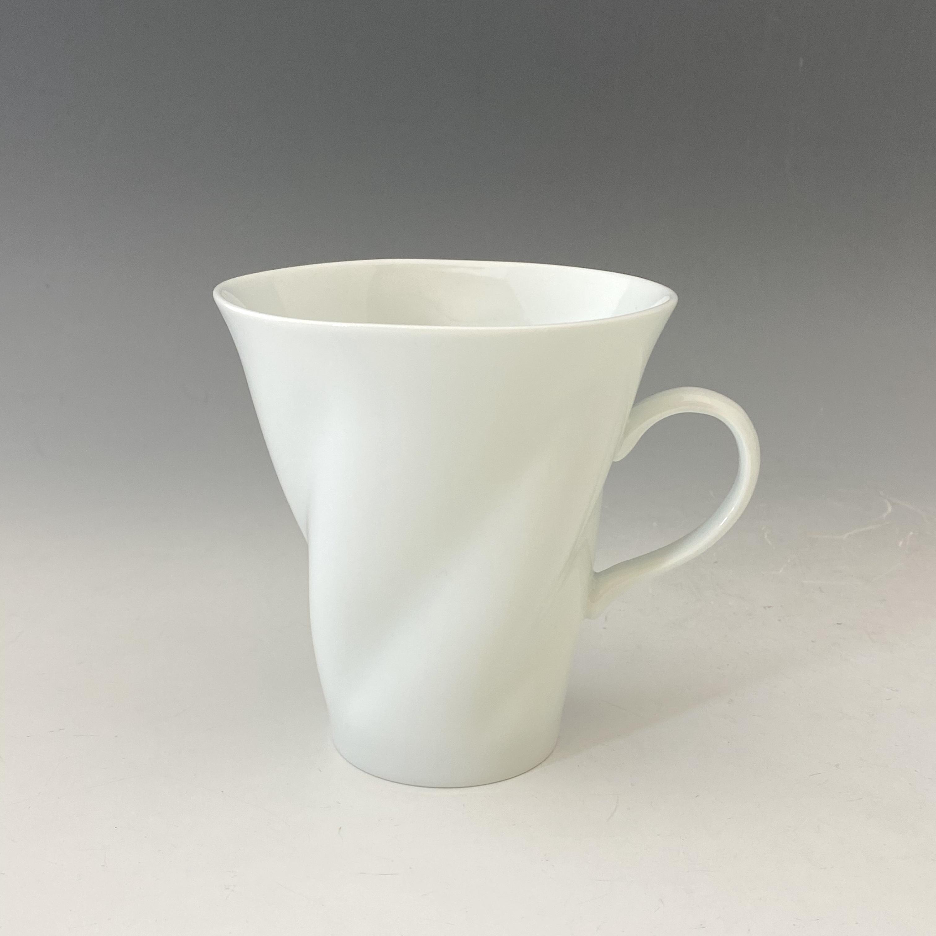 【中尾純】白磁ひねりマグカップ